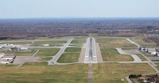 Landing-at-SYR